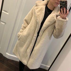 HP 🧿 FOREVER 21 faux fur teddy coat M